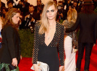 Cara Delevingne in Burberry all'Animal Ball