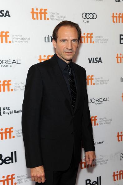 Ralph_Fiennes_Prada_Invisible_Woman_Premiere_TIFF_9.09.2013_