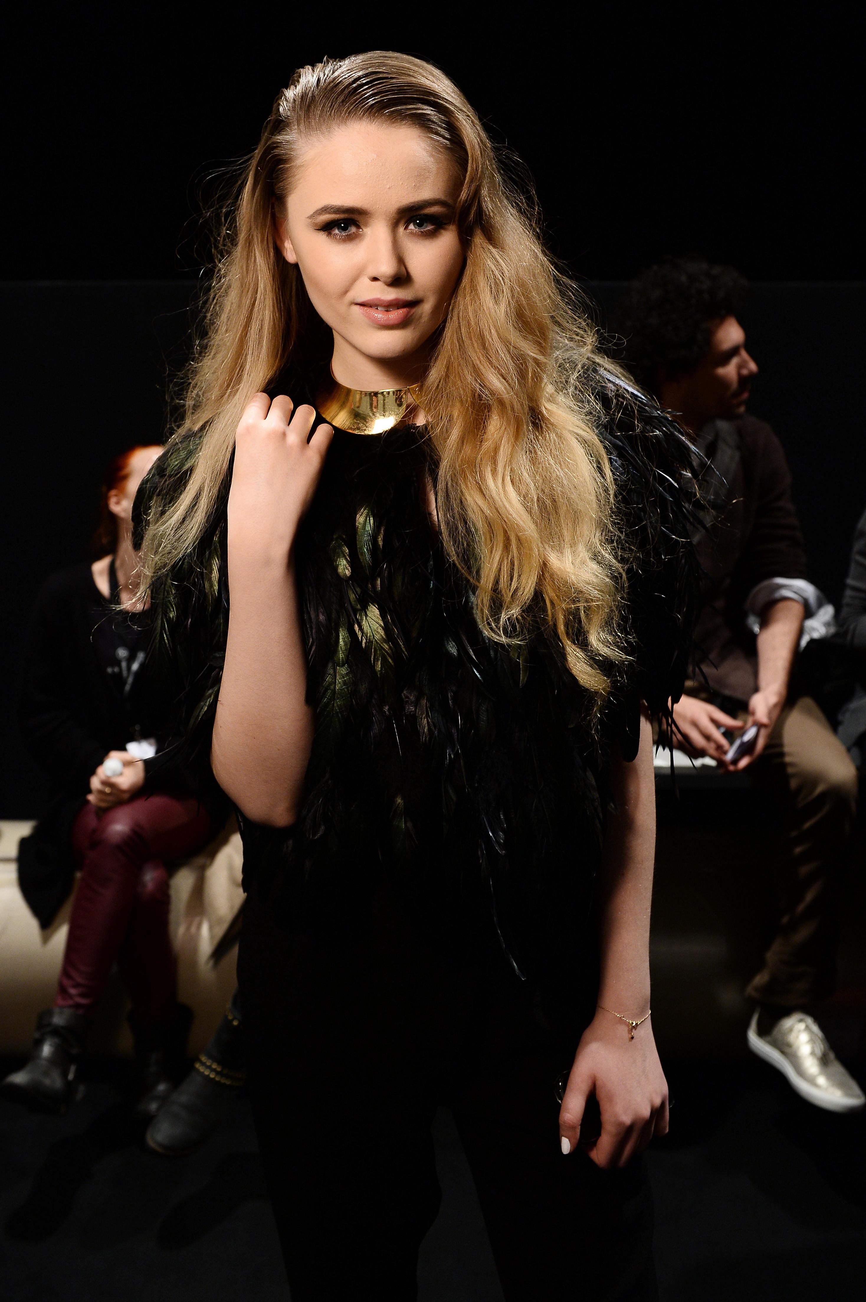 Mercedes benz fashion awards 29