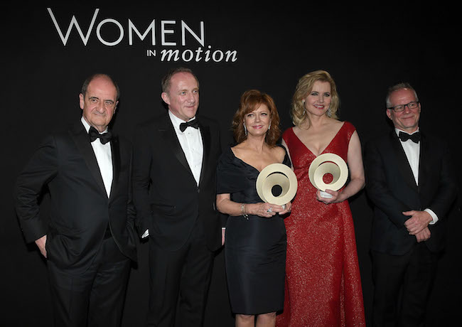 CANNES, FRANCE - MAY 15: (L-R) Pierre Lescure, Francois-Henri Pinault, Susan Sarandon, Geena Davis and Thierry Fremaux during the 'Women in Motion' award presentation at the Kering And Cannes Film Festival Official Dinner at Place de la Castre on May 15, 2016 in Cannes, France. (Photo by Venturelli/Getty Images)