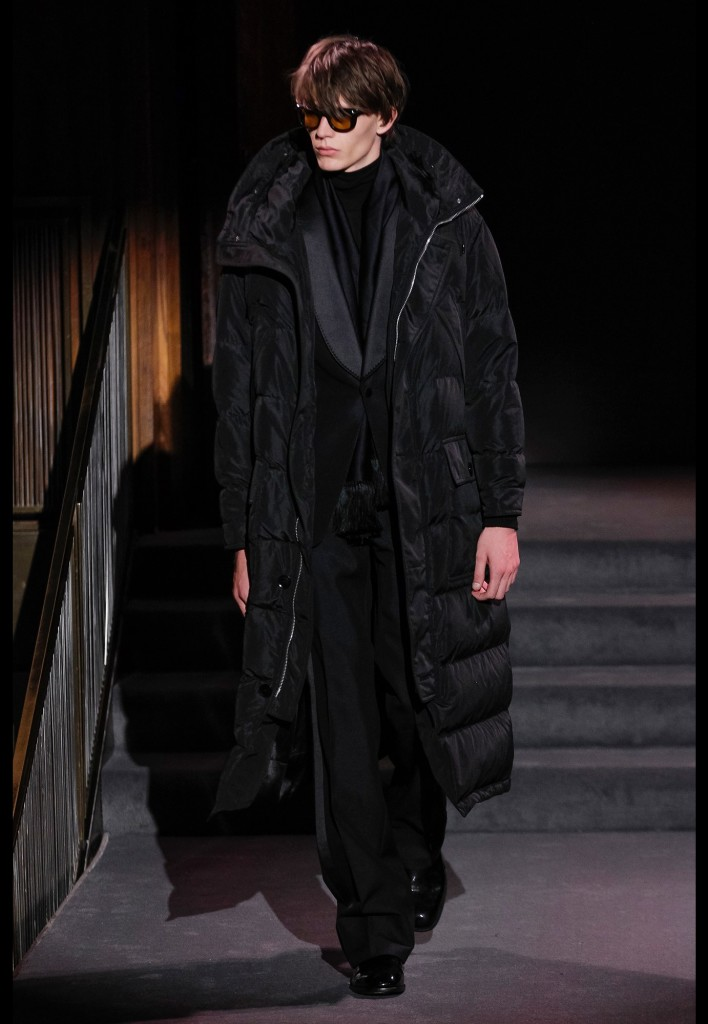 29_tom_ford_fall_2016_ready_to_wear_jpg_2768_north_1382x_black