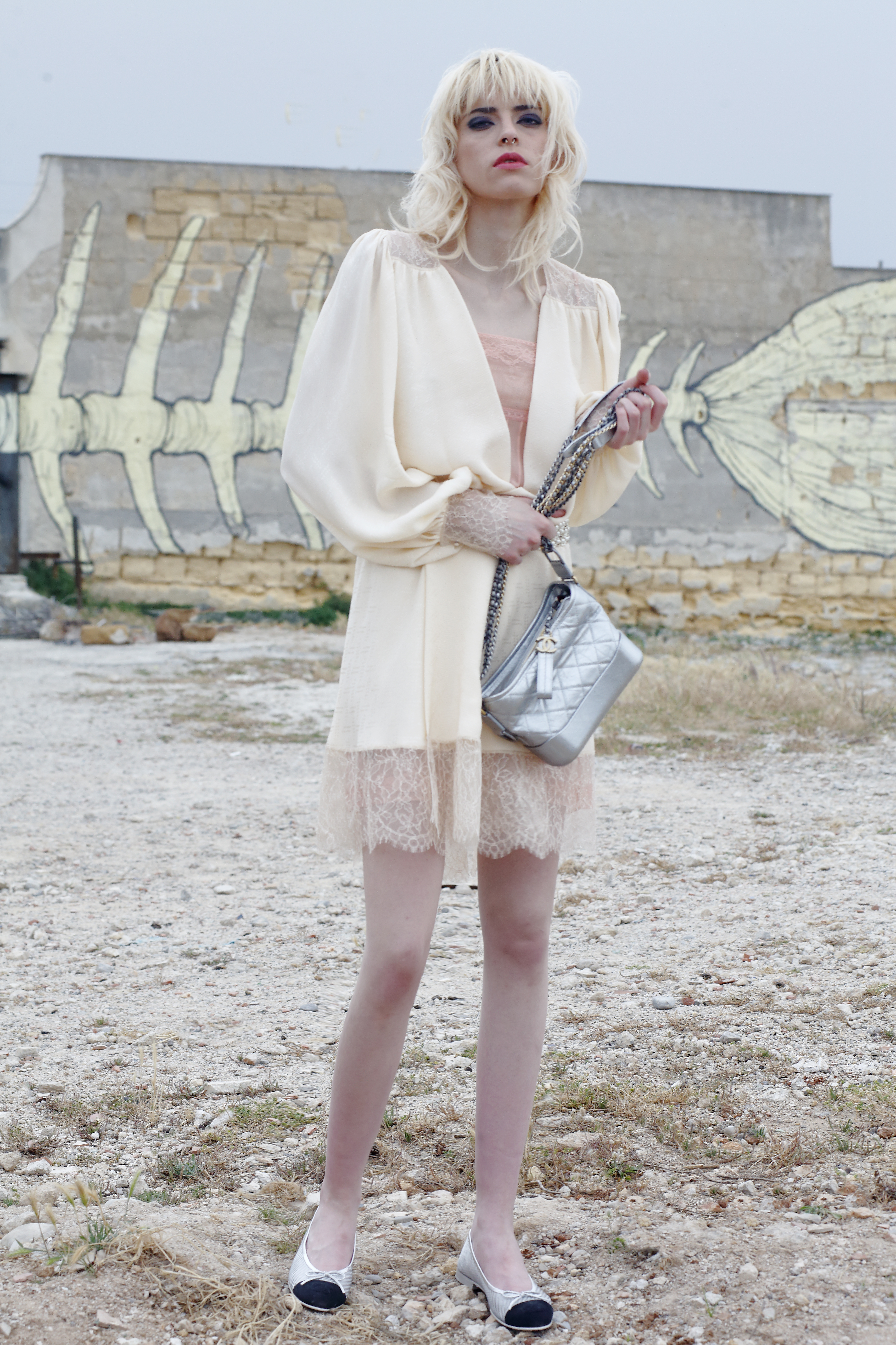 bd8818db49397c Coat silk jacquard crèpon beige, dress crepe geogette pale pink, small hobo  bag Gabrielle in total silver, flats pvc and grosgrain in silver and black,  ...