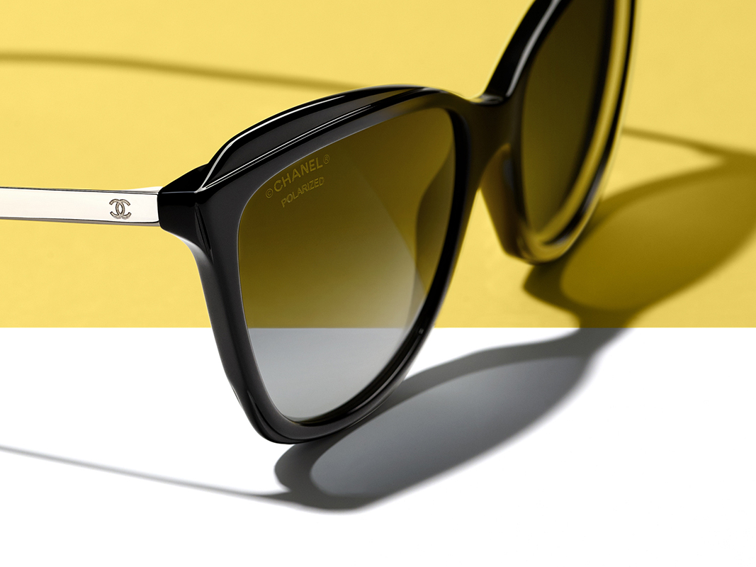 357a487e95961 The CHANEL Spring 2018 eyewear collection will be available in boutiques  from November 2017.