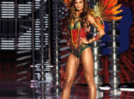 Victoria's Secret Fashion Show 2018 and emotional final with Adriana Lima
